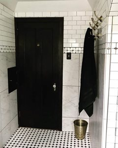 Vintage-Glam-Bathroom-Entry